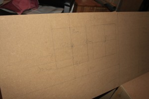 Die Zeichnungen auf dem MIP zeigen, wo später die Ausschnitte für die Displays liegen sollen.