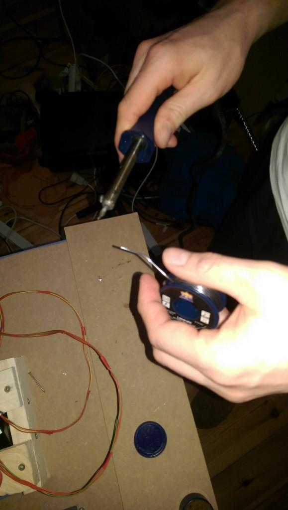 Die Panels wurden verlötet (Litze 0,22mm2) und an das USB-Modul von Leo Bodnar angeschlossen.